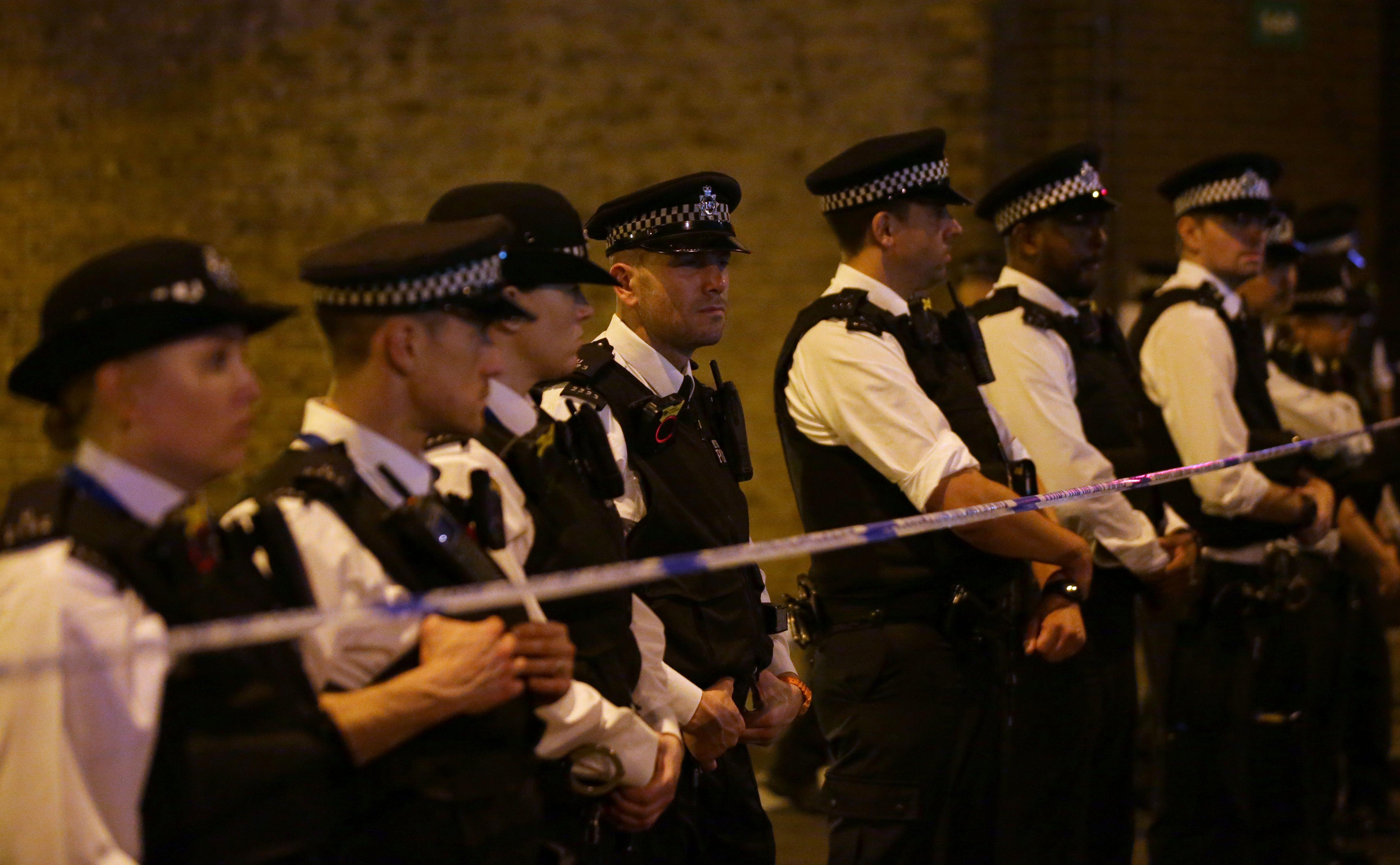 شرطة لندن تطوق المكان