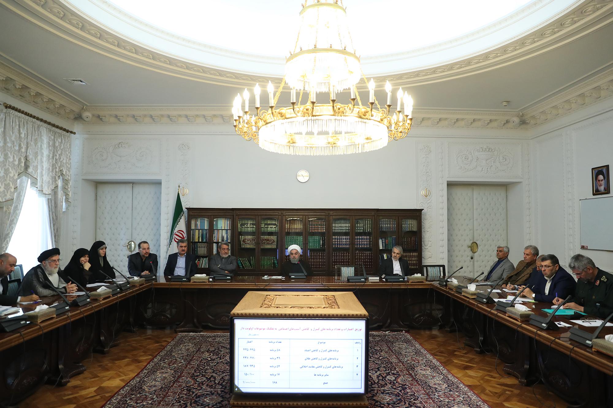الرئيس الإيرانى حسن روحانى فى اجتماع اللجنة الاجتماعية للبلاد