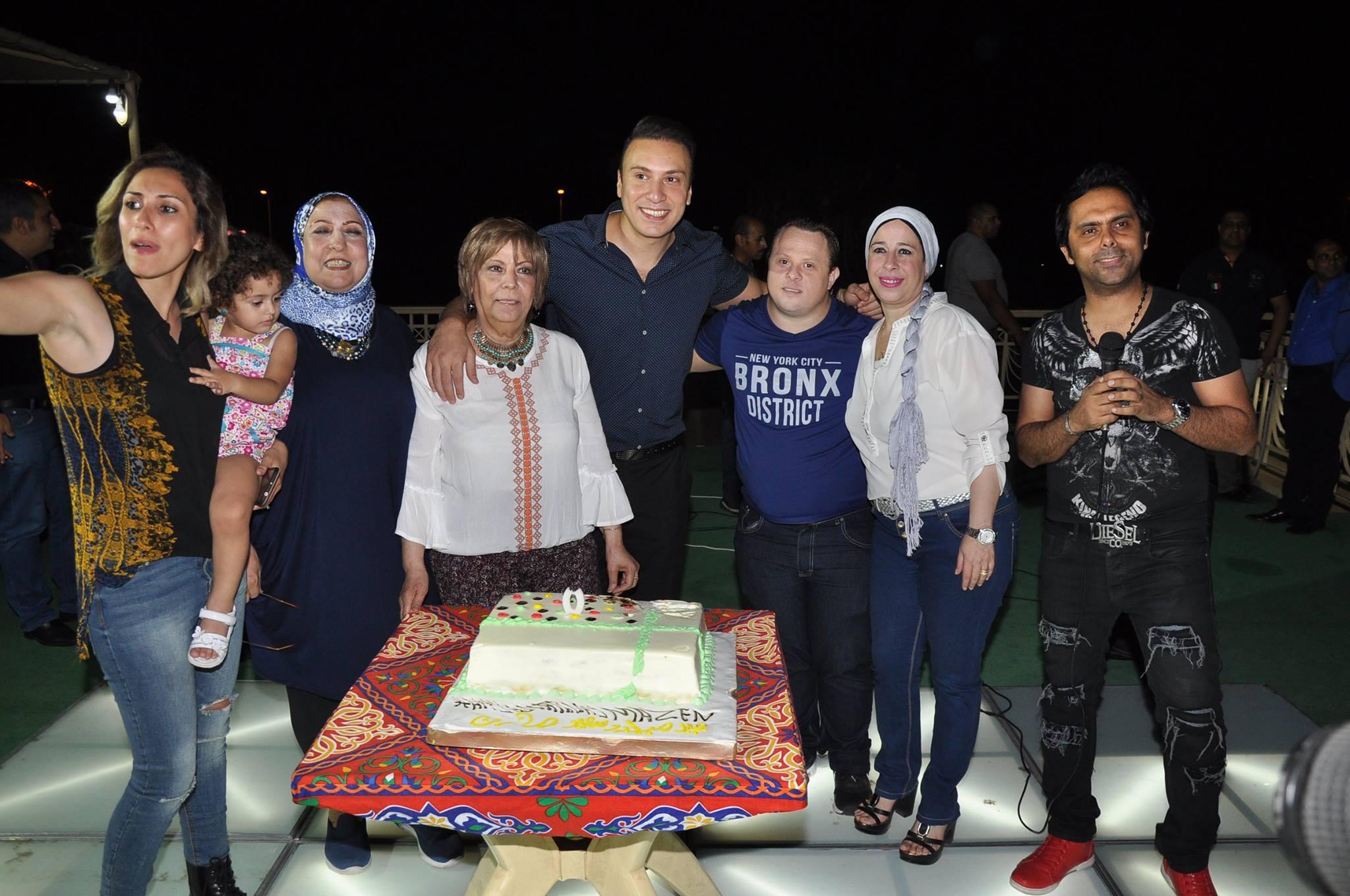عيد ميلاد بطل العالم للسباحة مازن السماحى (10)