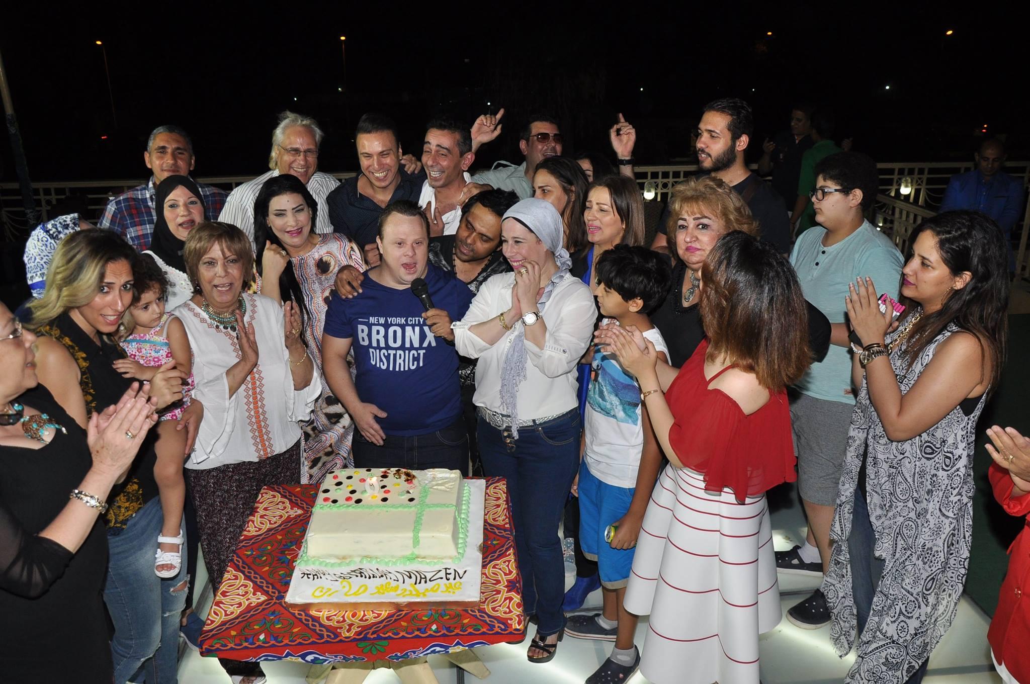 عيد ميلاد بطل العالم للسباحة مازن السماحى (1)