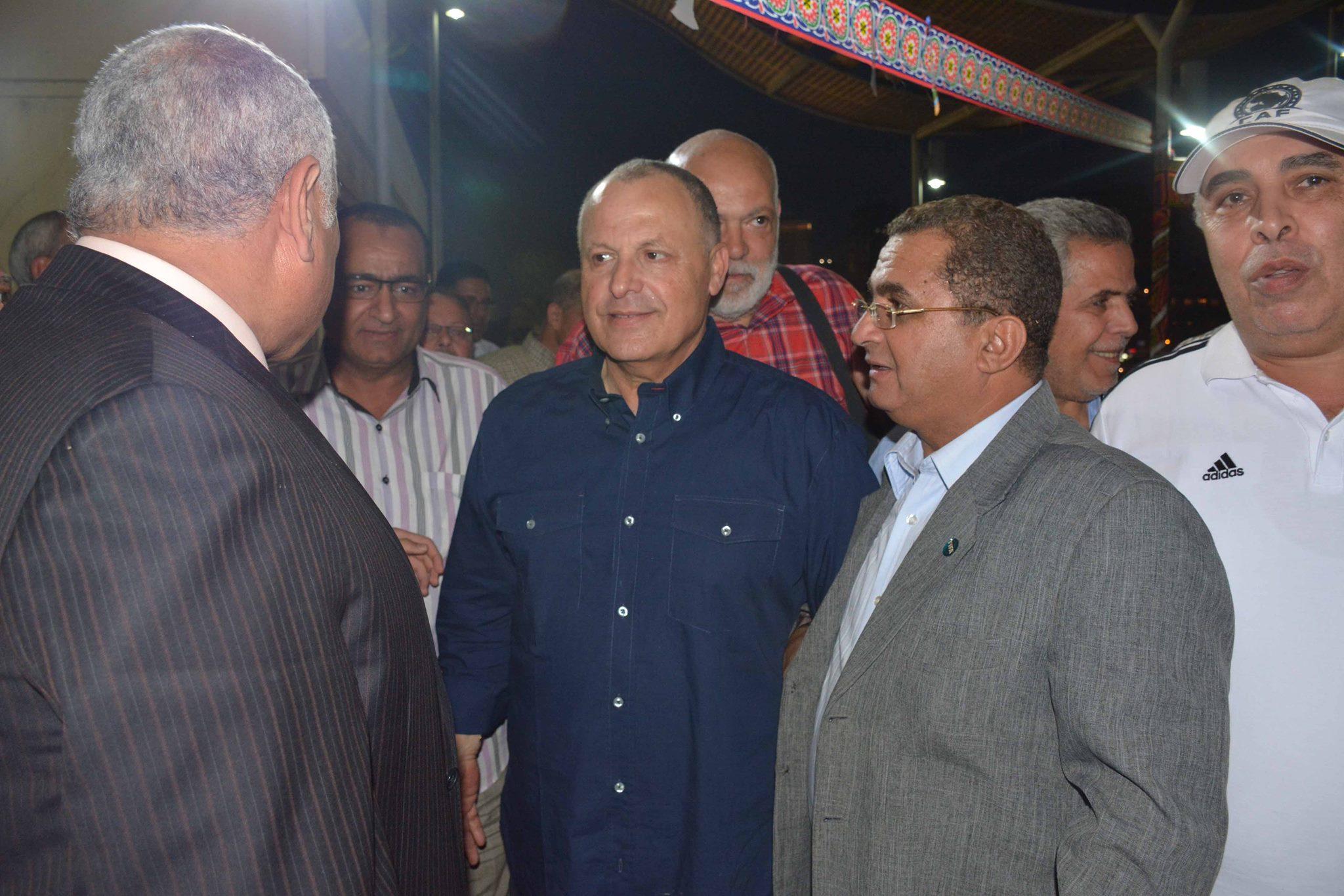ابو ريدة مع لجنة الحكام