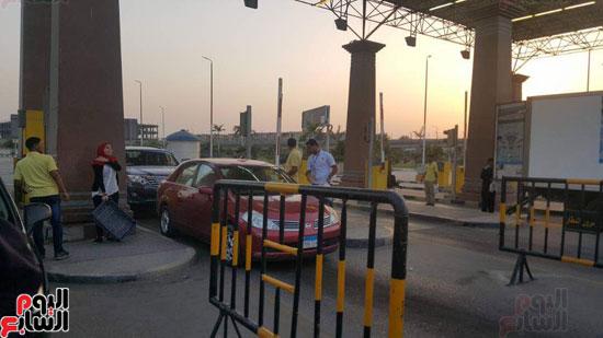الداخلية توزع وجبات مجانية على الصائمين بمحيط مطار القاهرة  (3)
