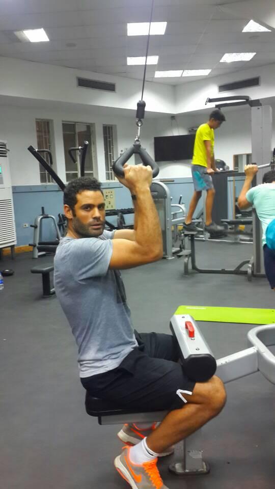 محمد عبد المنصف يخوض تدريباته فى الجيمانزيوم