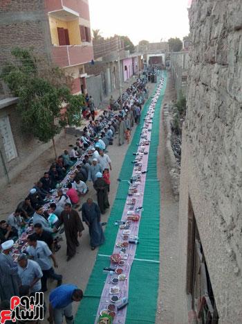 اطول مائدة بساحة الشيخ احمد المرتضى بالاقصر