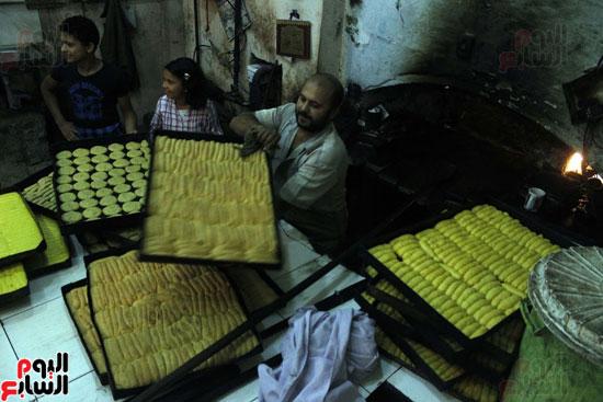 تسوية--كعك-العيد-في-الأفران-القديمة----تصوير-محمد-عوض--(15)