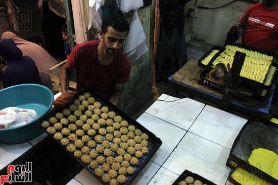 تسوية--كعك-العيد-في-الأفران-القديمة----تصوير-محمد-عوض--(27)