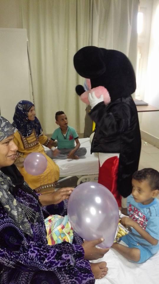 حفل ترفيهى للاطفال من مرضى الكبد بمعهد الكبد القومى بالمنوفية (7)