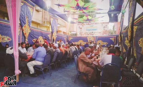مائدة الخير بالاقصر تنتشر طوال شهر رمضان