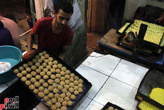 تسوية--كعك-العيد-في-الأفران-القديمة----تصوير-محمد-عوض--(26)