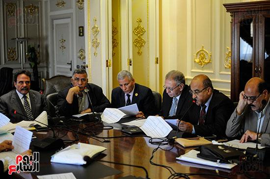 لجنة القوى العاملة (2)