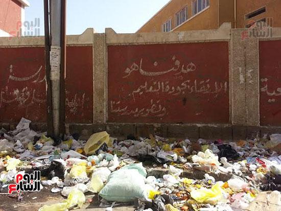 انتشار القمامة فى الشوارع الرئيسية