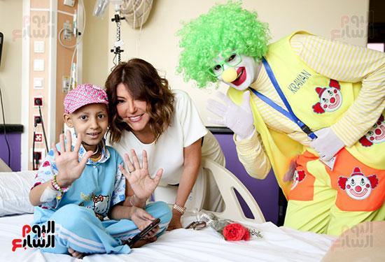 سميرة-سعيد-تزور-مستشفى-سرطان-الأطفال-(6)