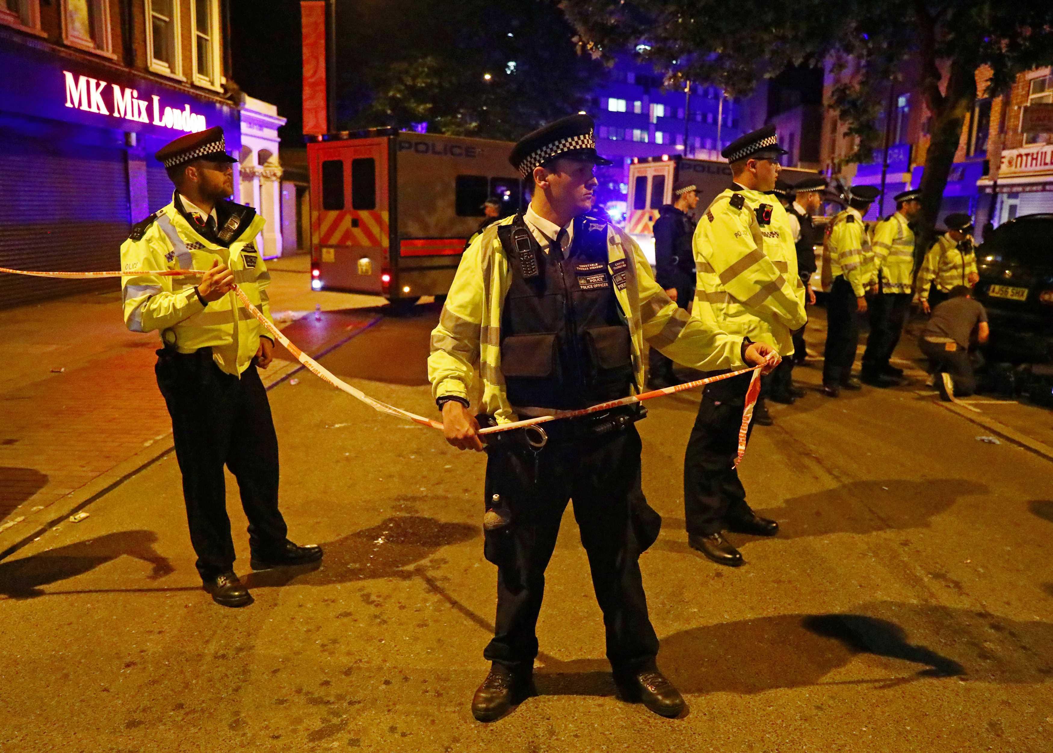 الشرطة تفرض طوقا أمنيا بموقع الدهس