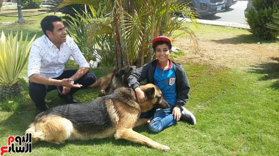الراقص-مع-الكلاب-برفقة-محمود-الضبع