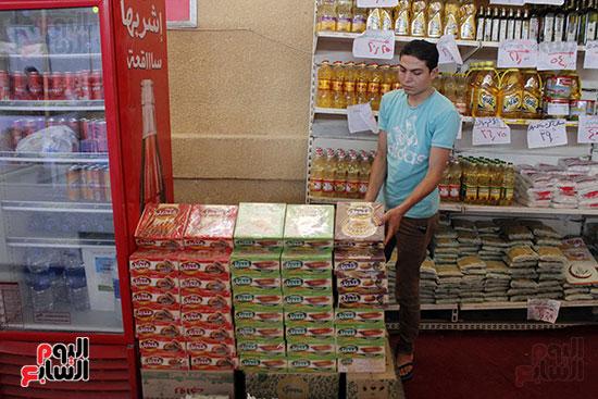 تموين-الإسماعيلية--يطرح-حلوي-العيد-ومواد-غذائية--باسعار-مخفضة----تصوير--محمد-عوض--(2)