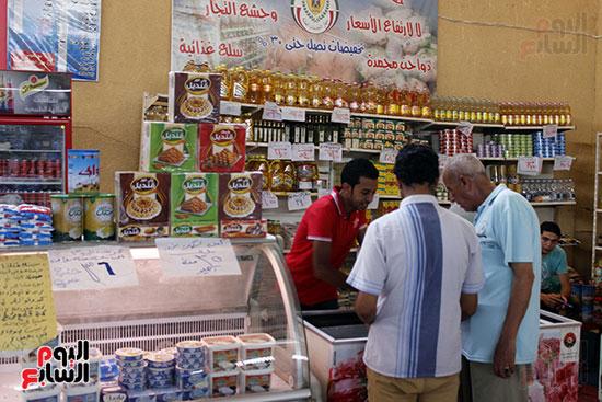 تموين-الإسماعيلية--يطرح-حلوي-العيد-ومواد-غذائية--باسعار-مخفضة----تصوير--محمد-عوض--(10)