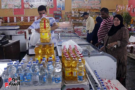 تموين-الإسماعيلية--يطرح-حلوي-العيد-ومواد-غذائية--باسعار-مخفضة----تصوير--محمد-عوض--(12)
