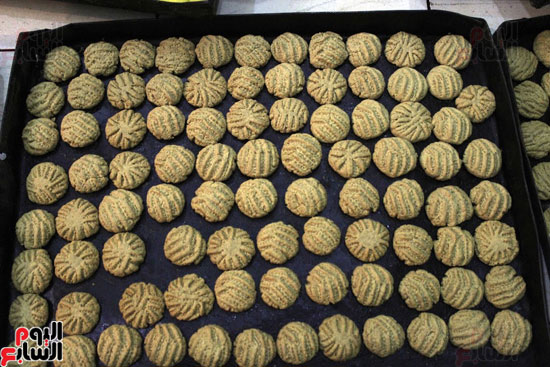 تسوية--كعك-العيد-في-الأفران-القديمة----تصوير-محمد-عوض--(25)