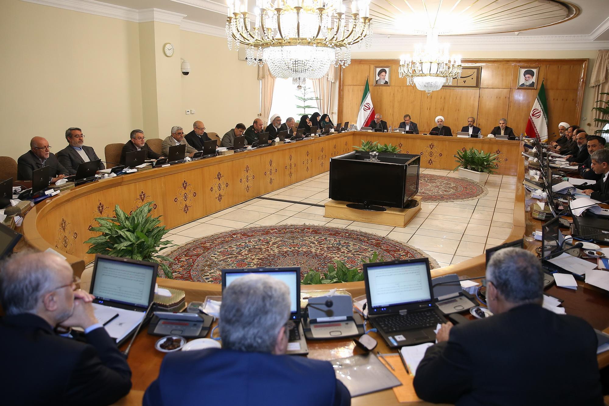 الرئيس حسن روحانى والحكومة الإيرانية
