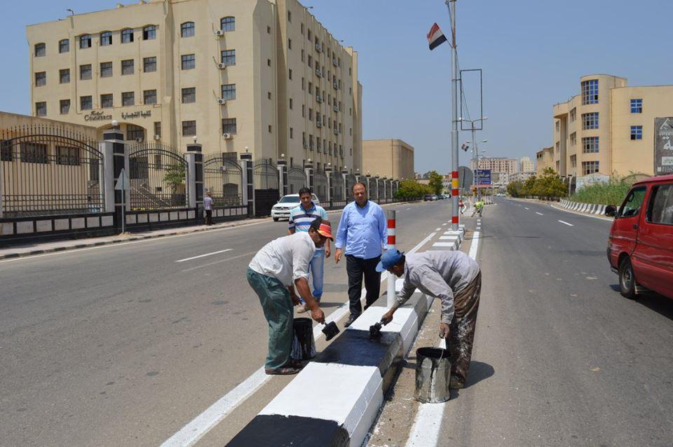3- تجميل شارع الجامعة ودهان الأرصفة