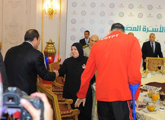 السيسى افطار الاسره المصريه (11)