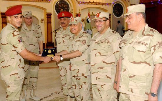 الفريق أول صدقي صبحي وزير الدفاع والانتاج الحربي (2)