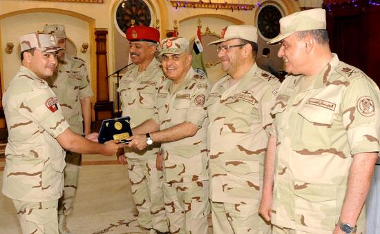 الفريق أول صدقي صبحي وزير الدفاع والانتاج الحربي (5)