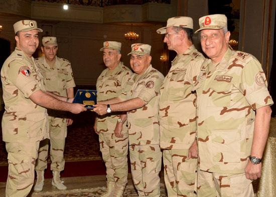 الفريق أول صدقي صبحي وزير الدفاع والانتاج الحربي (4)