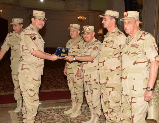 الفريق أول صدقي صبحي وزير الدفاع والانتاج الحربي (7)
