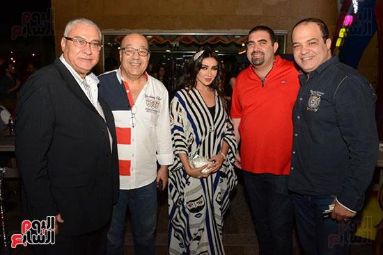 الوزراء ونجوم الفن والإعلام فى سحور المنتج ياسر سليم (16)
