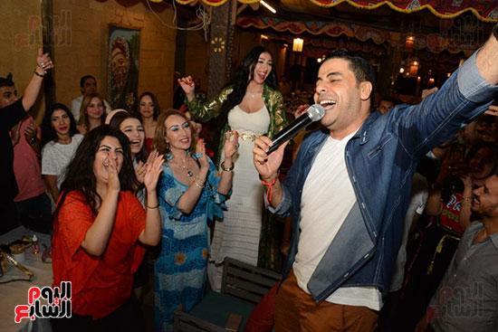 الوزراء ونجوم الفن والإعلام فى سحور المنتج ياسر سليم (50)