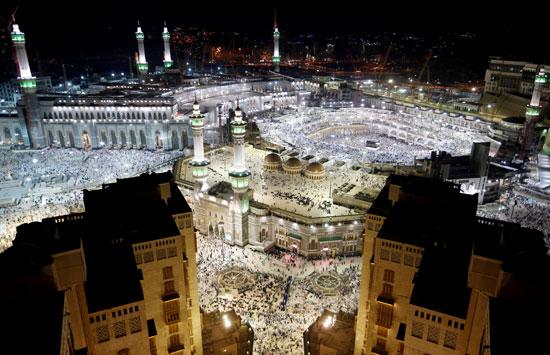 الأماكن-المقدسة-فى-السعودية-عامرة-بالمصلين