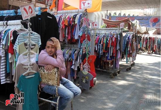 b638918cb ... ما برره بأن أسعار كل شىء ارتفعت وشراء الملابس لم يعد من أولويات الأسر  المصرية، ويختتم بقوله: