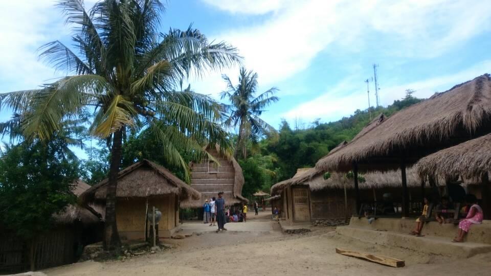 قرية ساساك