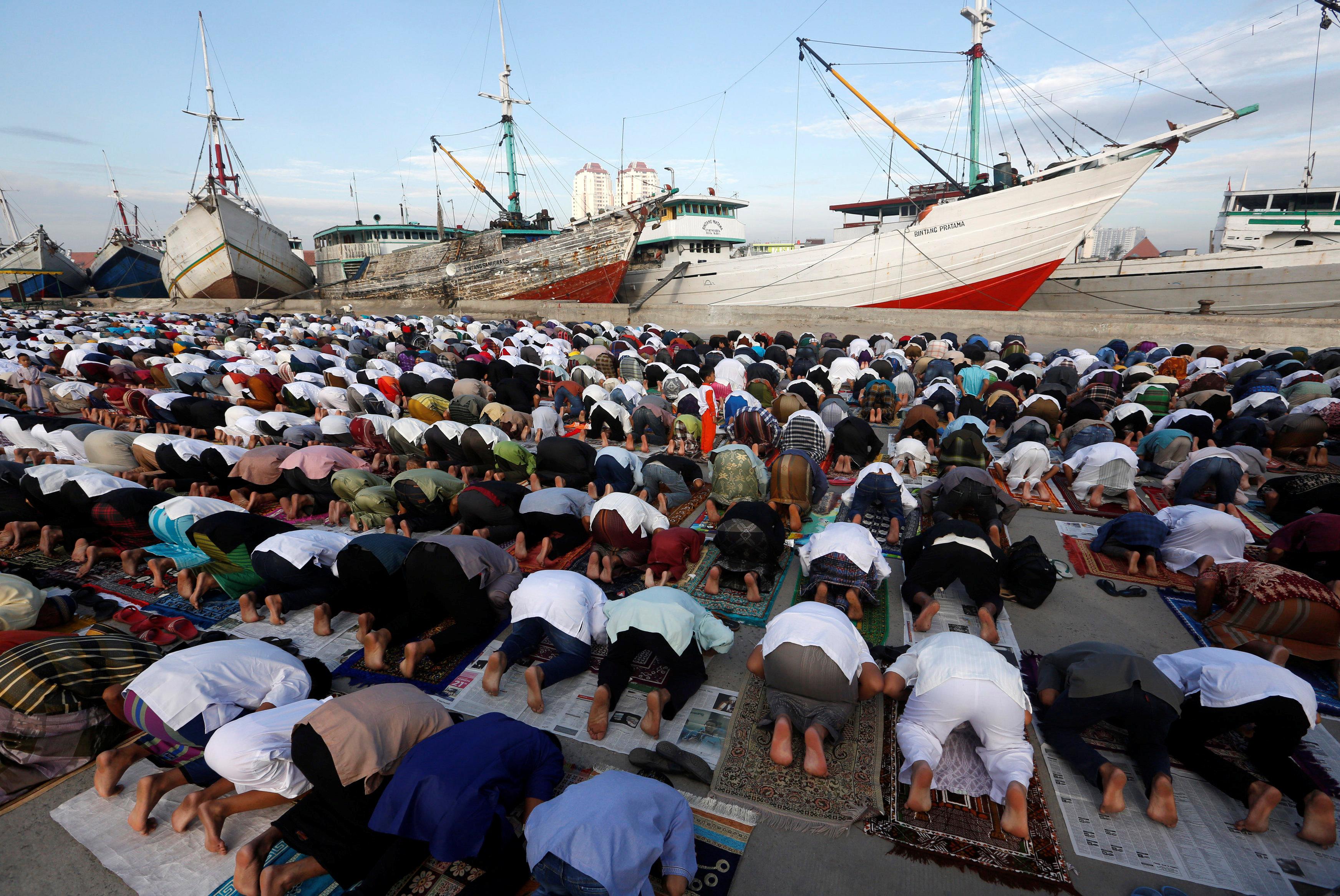 صلاة العيد فى اندونيسيا