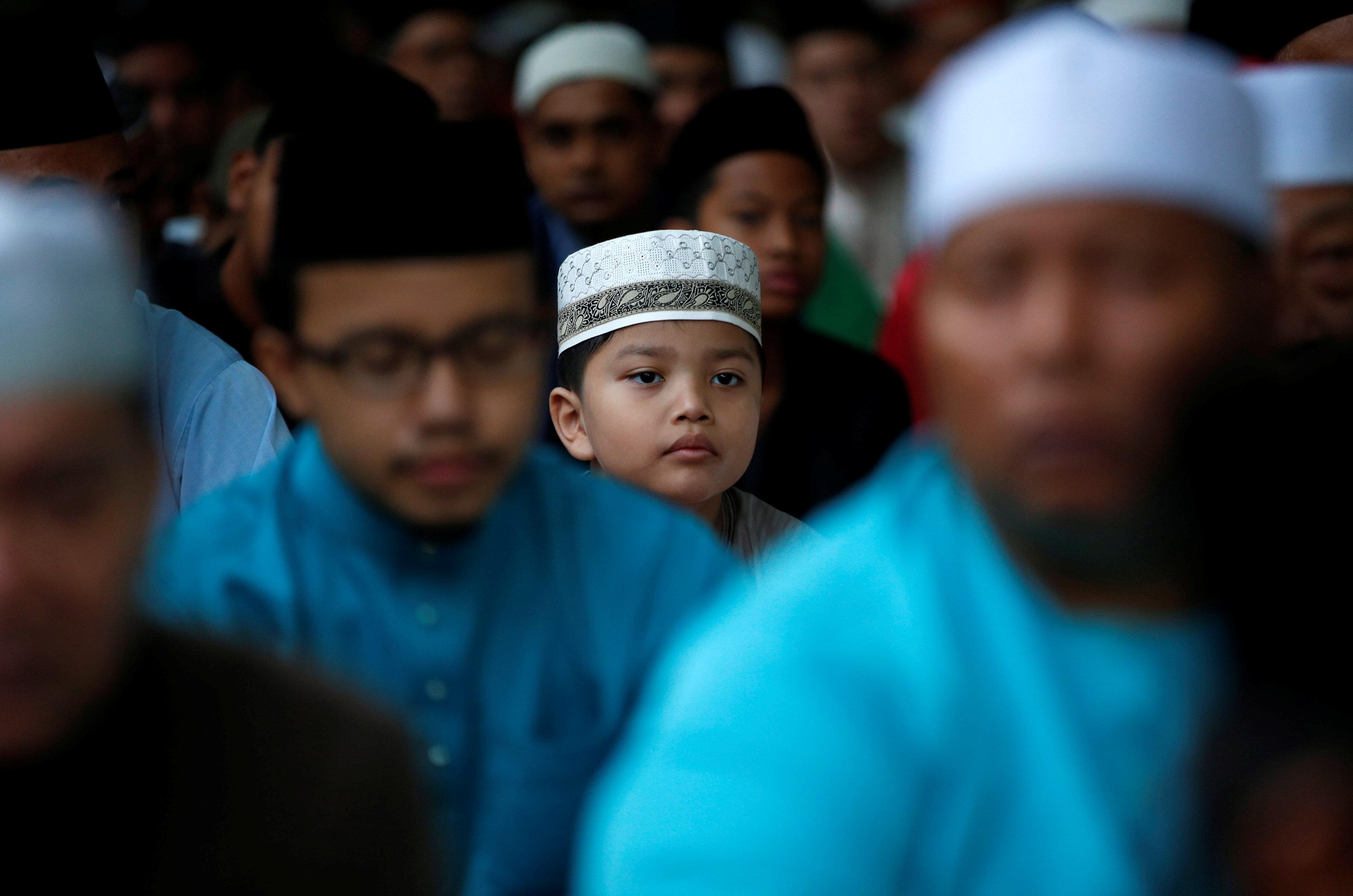مسلمو سنغافورة يؤدون صلاة العيد