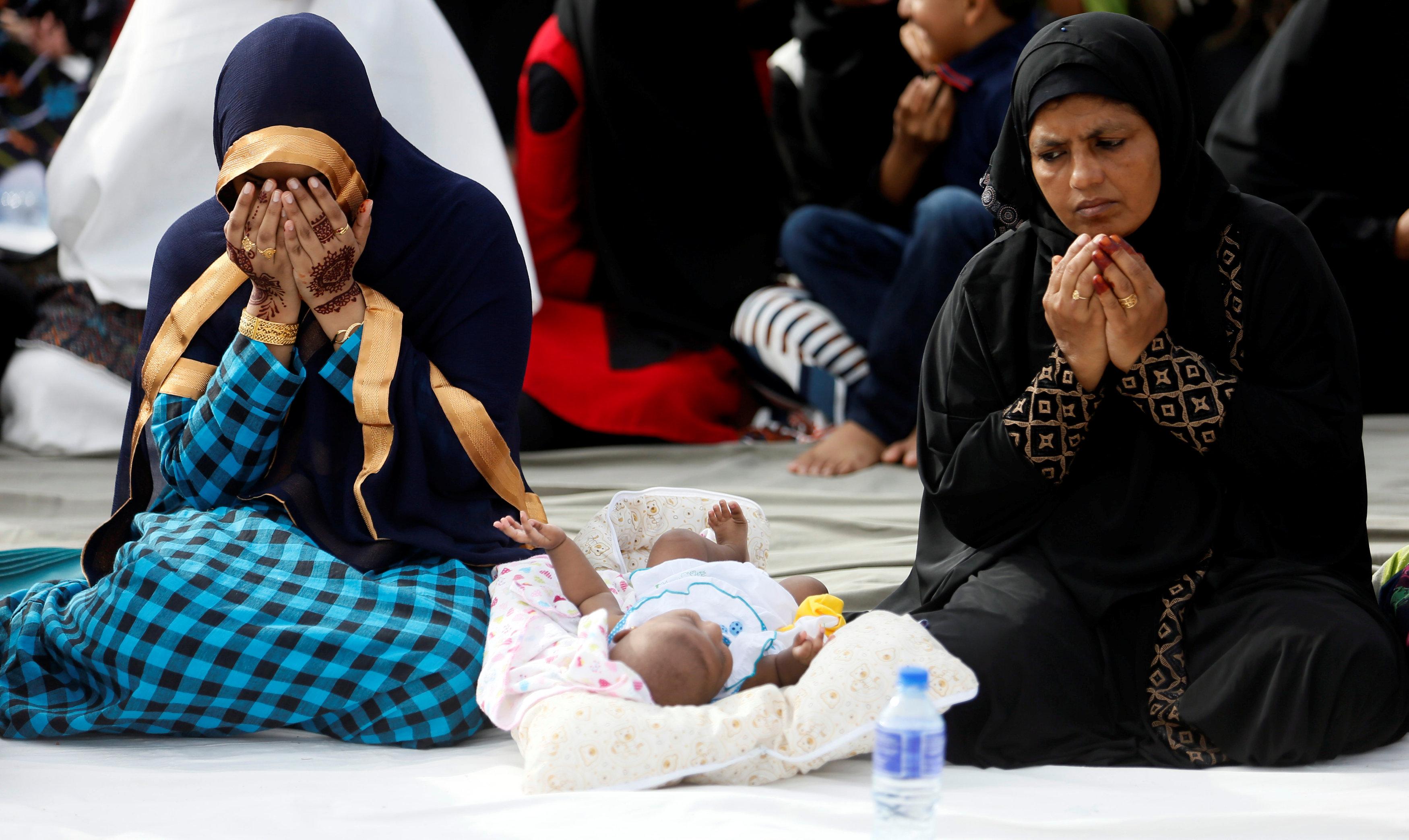 فتيات تصلى العيد فى سيريلانكا