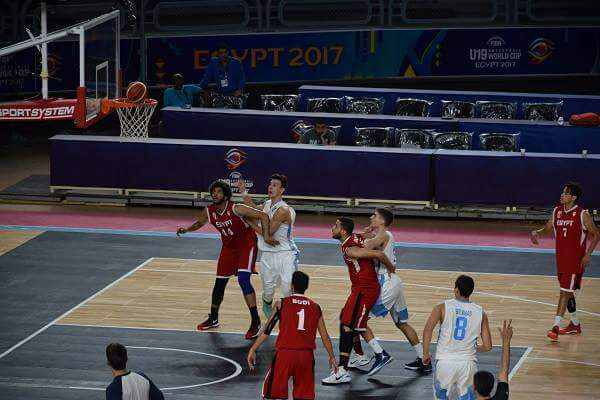منتخب السلة أمام الأرجنتين