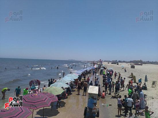 5-الزحام-على-الشاطئ