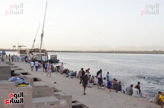 المواطنون يؤكدون: النيل ده المصيف بتاعنا وببلاش كمان