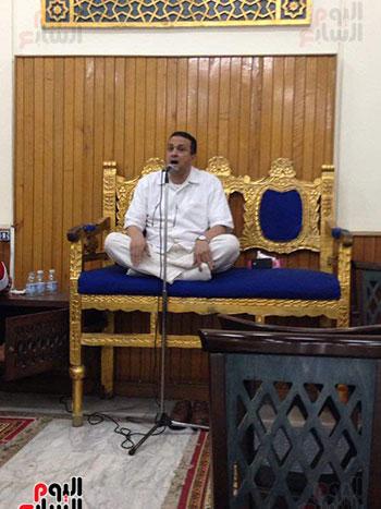 علاء حسنى حفيد الشيخ مصطفى اسماعيل يتلو القرآن