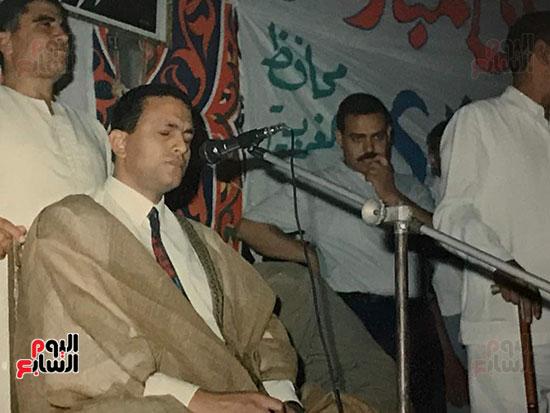 علاء حسنى حفيد الشيخ مصطفى اسماعيل يتلو القرآن الكريم
