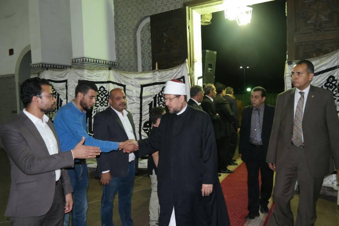 شيخ الأزهر وكبار العلماء في عزاء الدكتور محمد الراوي — الوحدة الاخبارى