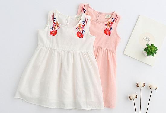 aaea2ff0766ab قواعد اختيار ملابس اطفال مناسبة للصيف.. من الأقمشة للألوان - اليوم ...