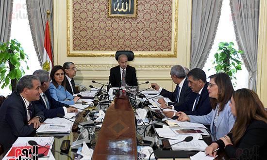 اجتماع المجموعه الاقتصادية (2)