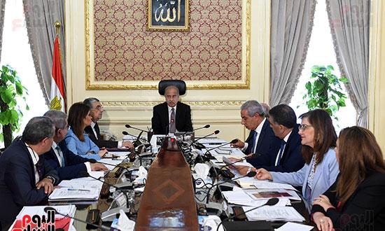 اجتماع المجموعه الاقتصادية (3)