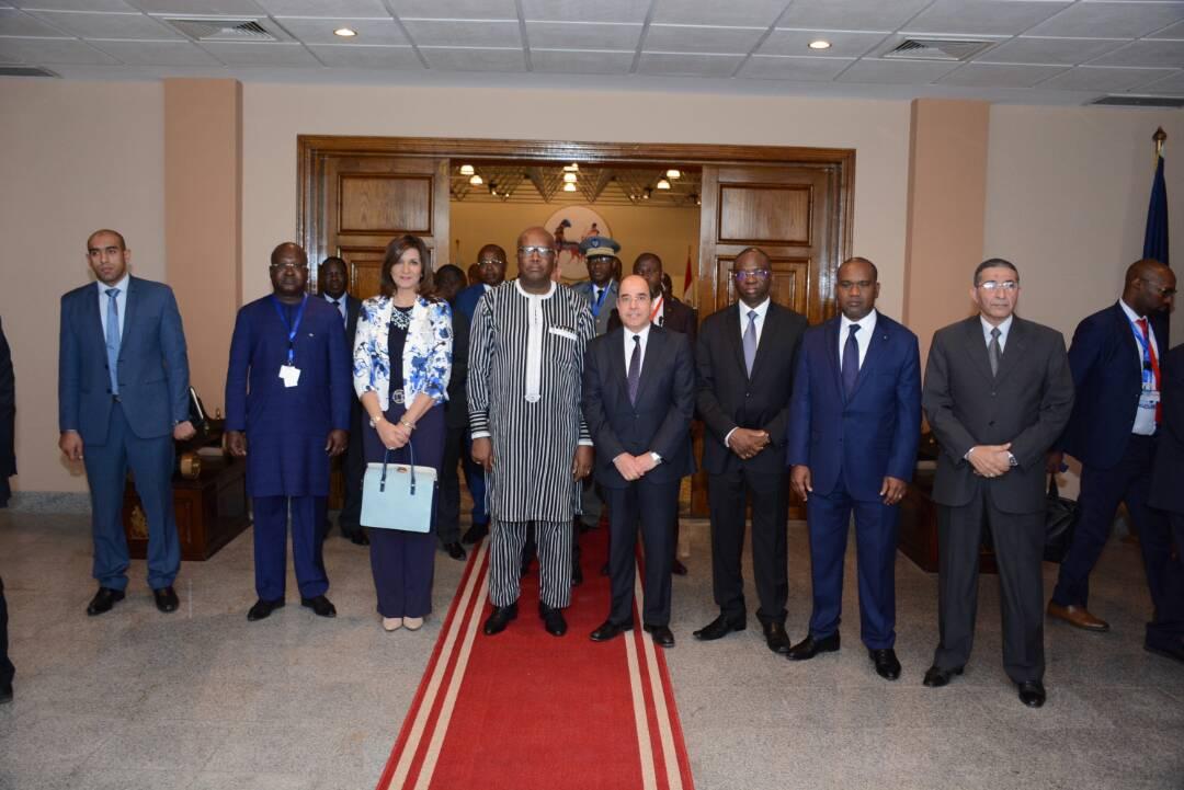 رئيس بوركينا فاسو فى مصنع 200 الحربى