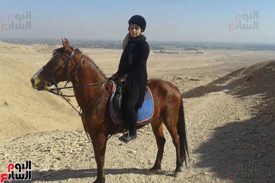 سفارى الحمير والخيول تنتشر للسياح بغرب الأقصر