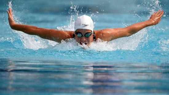 ممارسة السباحة بشكل يومى