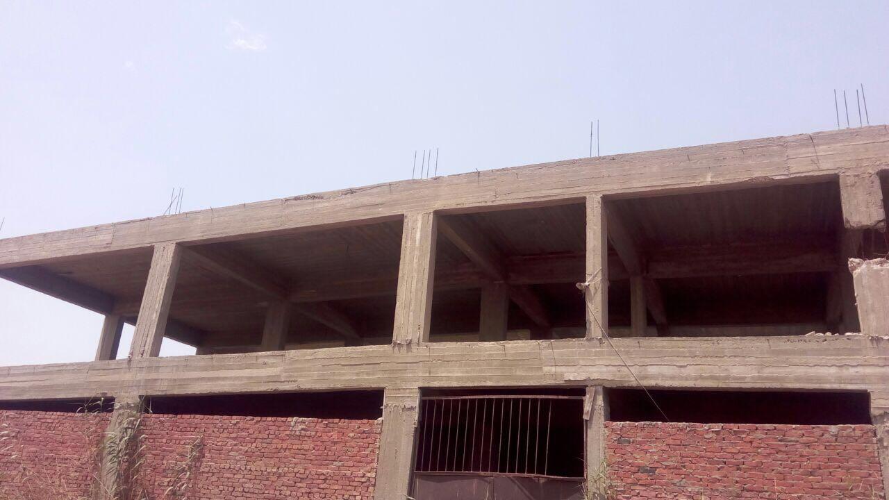 مبنى مخالف قبل ازالته